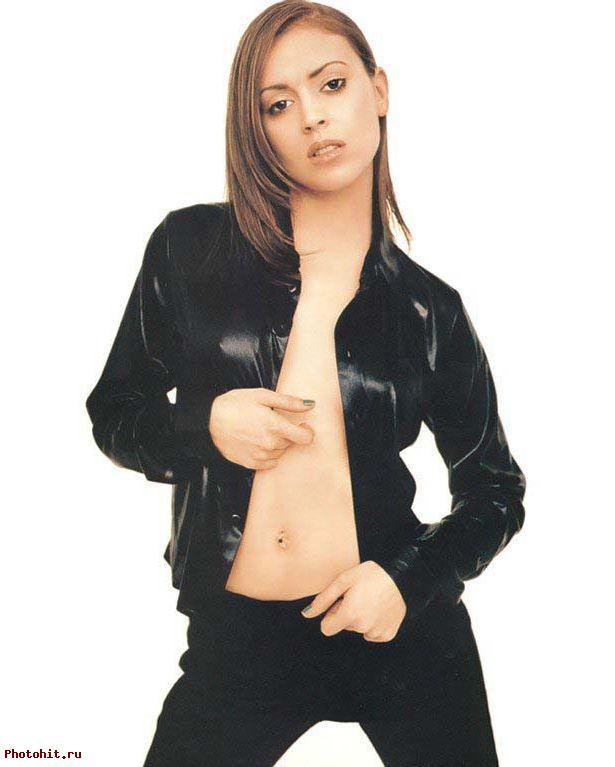 Алисса Милано вся в черном - фотография фотомодели. Сексуальное фото